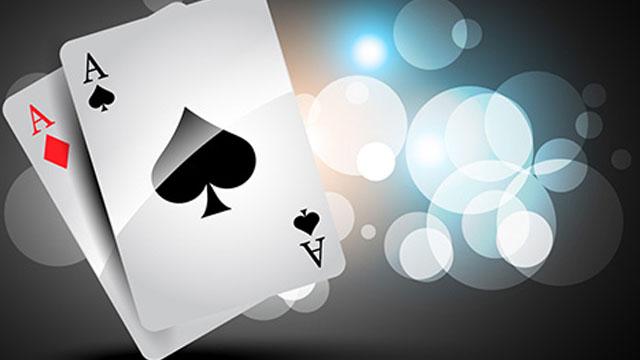 Perbedaan dan Persamaan Antara Capsa Susun dan Chinese Poker