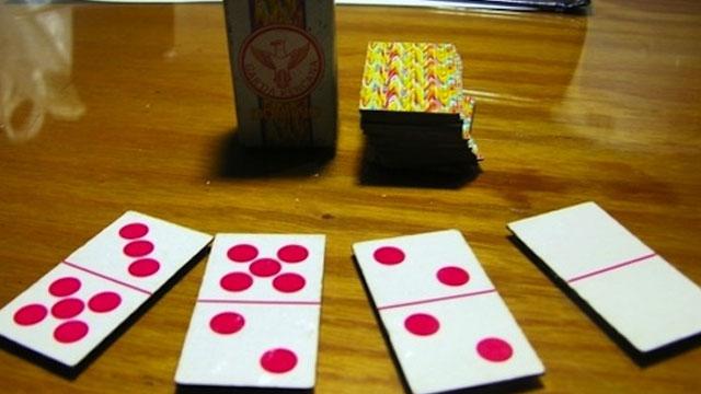 Ternyata Permainan Ini Menggunakan Kartu Domino